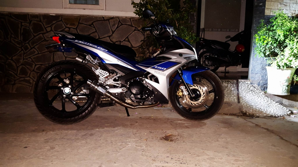 Exciter 150 an tuong voi dan chan 1 gap - 4