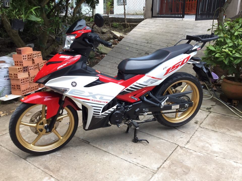 Exciter 150 do don gian cung biker mien tay