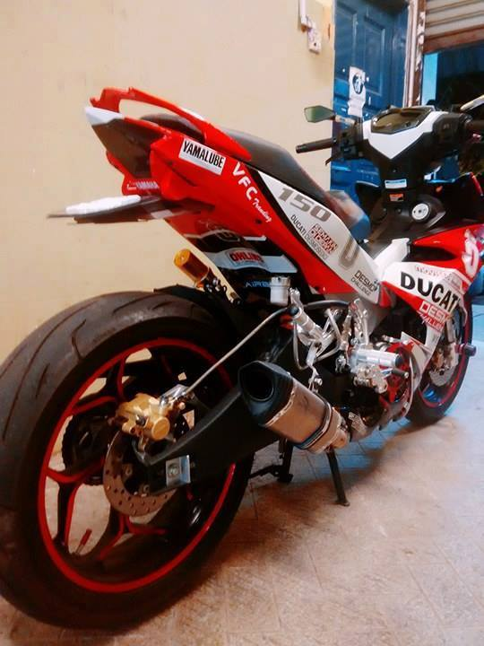 Exciter 150 do ham ho voi phong cach ducati - 3