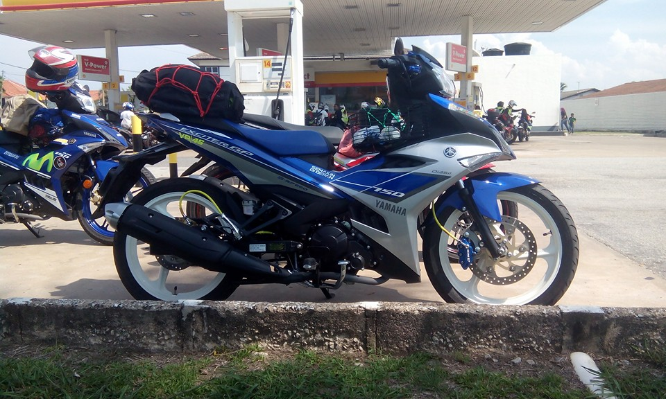Exciter 150 tem Rossi do mam 3 cay day ca tinh