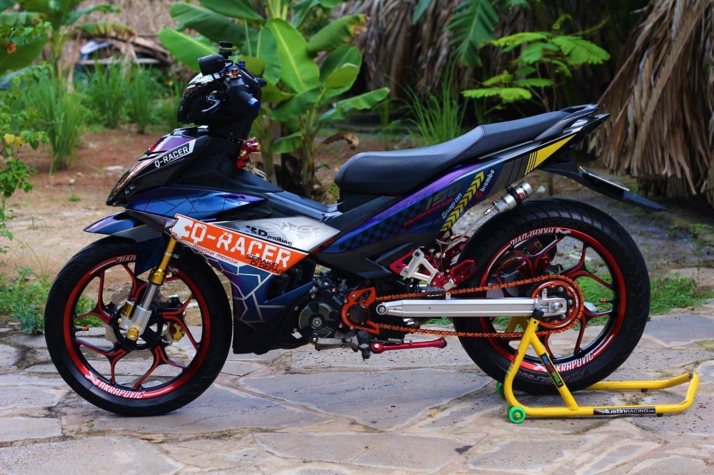 Exciter 150 trong bo canh tem dau QRacer day an tuong