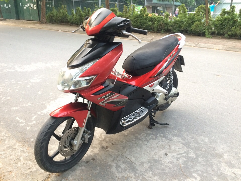 Honda Air Blade 110 mau do den bien dep 29Z23323