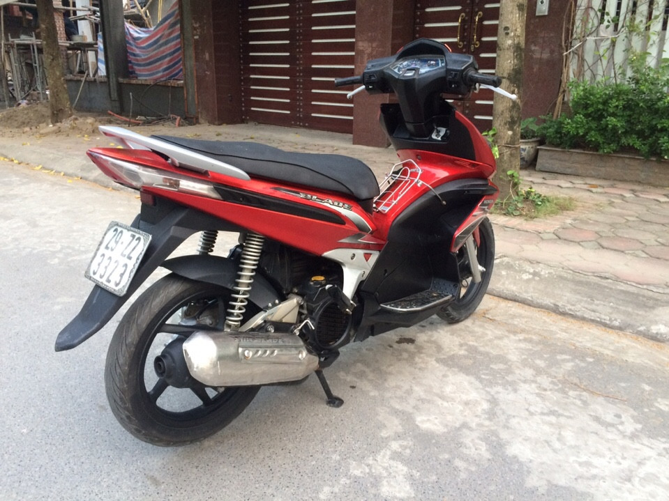 Honda Air Blade 110 mau do den bien dep 29Z23323 - 2