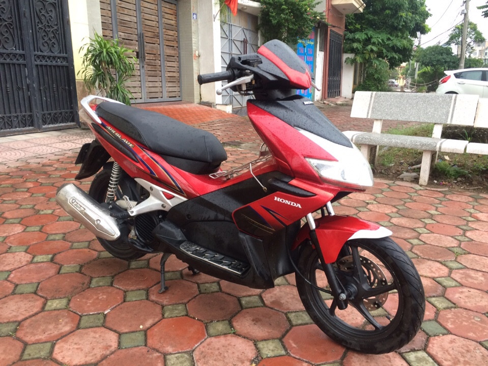 Honda Airblade doi 2009 mau Do Den bien so 29S124769 - 4
