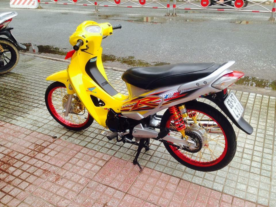 Honda Future 125 do phong cach Thai