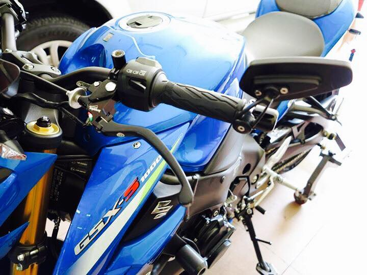 Naked Bike co bu Suzuki GSX S1000 khung bo voi nhieu do choi hang nang - 3