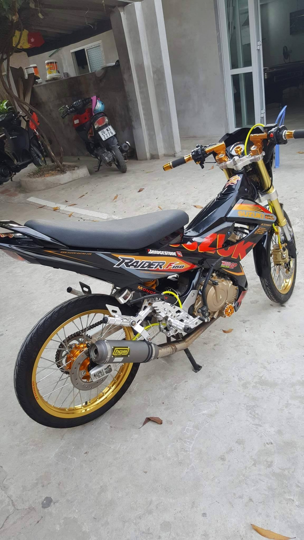 Suzuki Raider day noi bat trong version Racingboy - 4