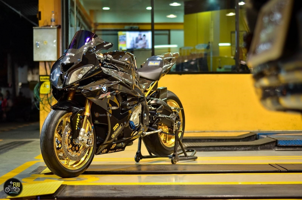 BMW S1000RR do khung voi goi do vai tram trieu dong - 8