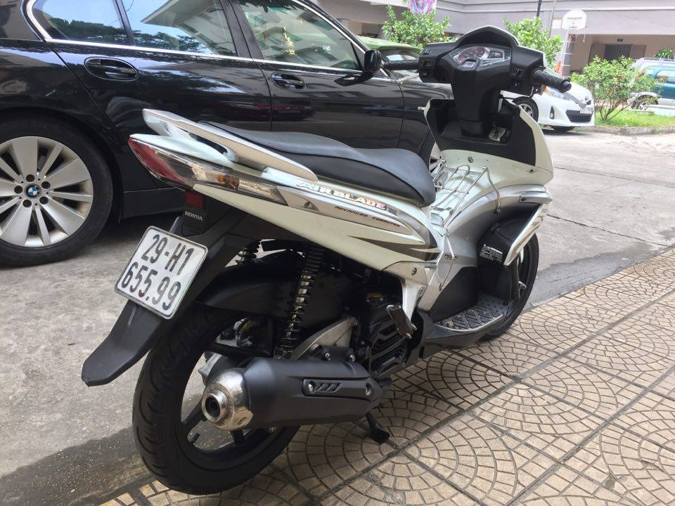 Can ban Honda Airblade fi doi 2010 mau trang bien 5 so 29H65599 29tr500 - 2