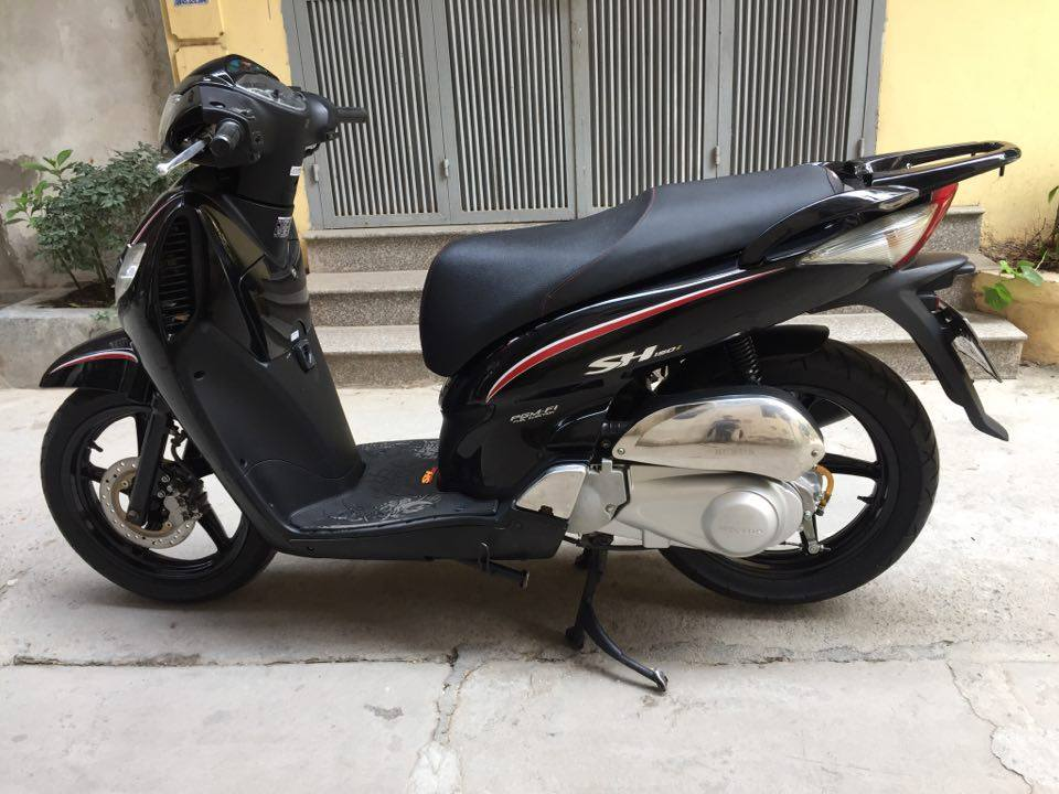 Can ban Honda Sh 150i den Sport doi 2009 bien HN 5 so con moi nguyen ban it dung 70tr - 2
