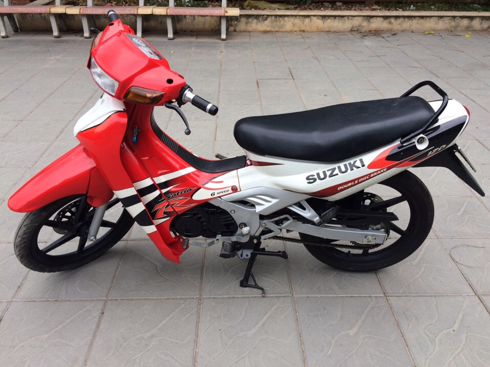 Can ban Suzuki Xipo Satria 2000 mau do trang 120cc 6 so