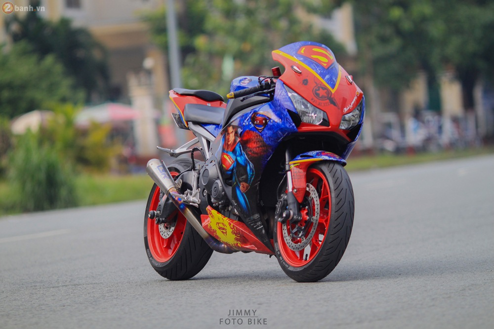 CBR1000RR phien ban Superman man of steel ca tinh tai Sai Gon