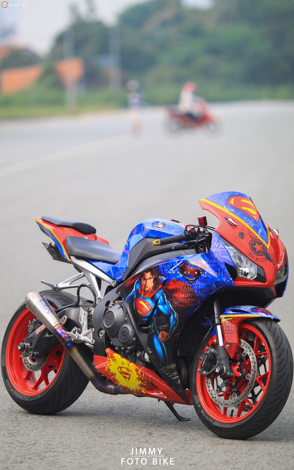 CBR1000RR phien ban Superman man of steel ca tinh tai Sai Gon - 9