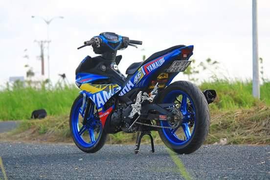 Exciter 150 day chat choi trong bo canh dam chat Yamaha Racing - 5