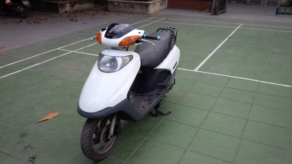 Honda SPACY Viet Nam mau trang may em ben it hao xang