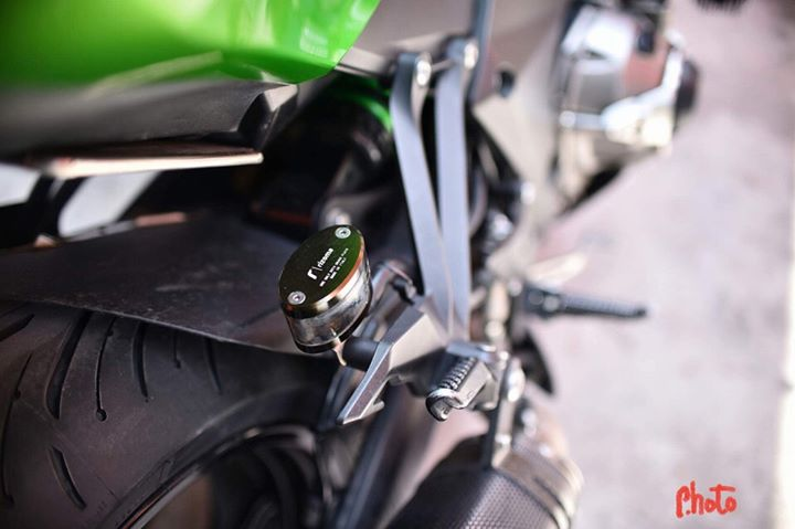 Kawasaki Z1000 don gan full do choi day hap dan - 8