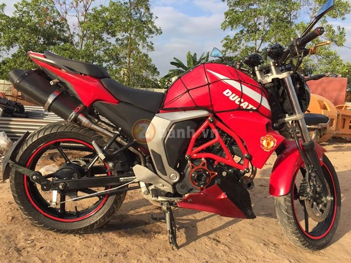 Chiec FZS do phong cach moto Ducati Monster - 8
