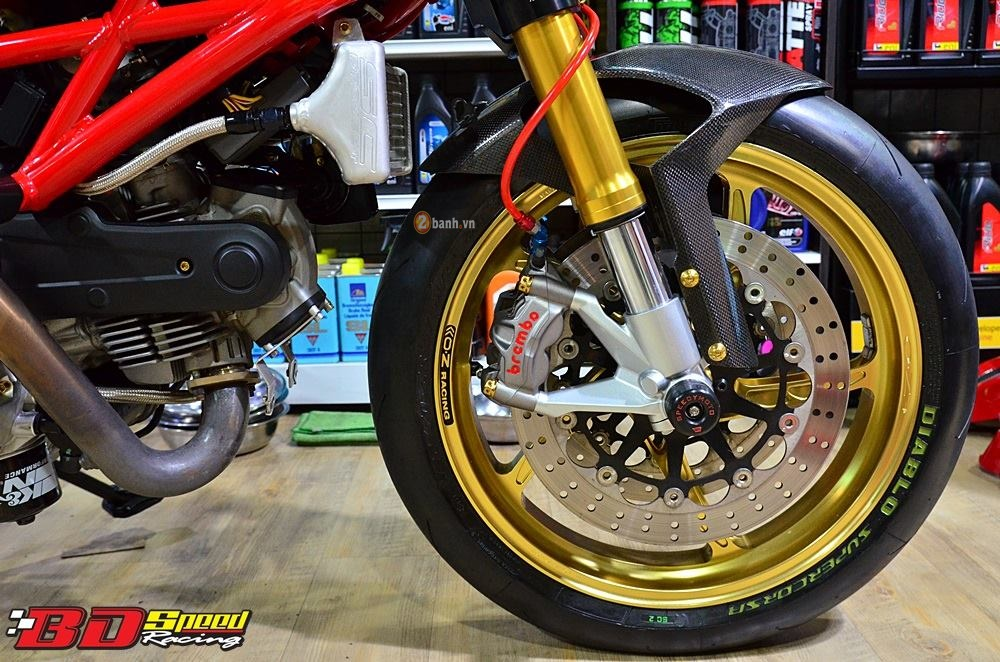Ducati Monster 795 day an tuong voi ban do con dang do - 3