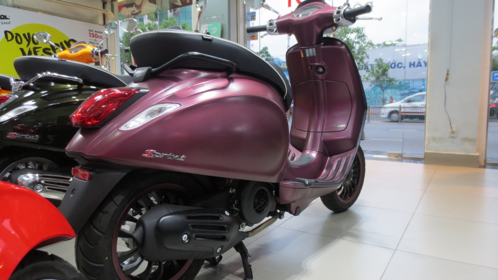 VESPA Sprint ABS chinh hang gia re nhat SG - 2