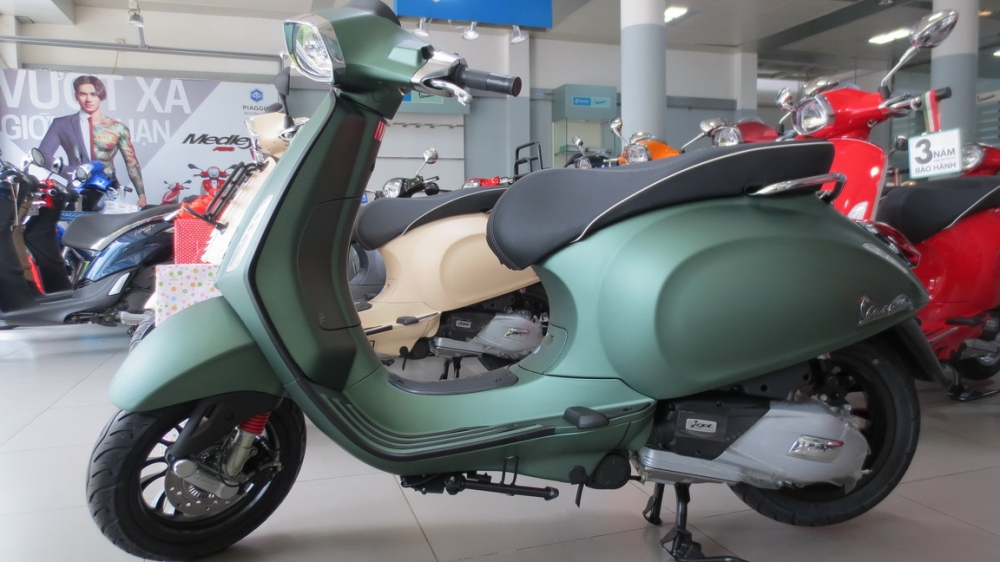 VESPA Sprint ABS chinh hang gia re nhat SG - 5
