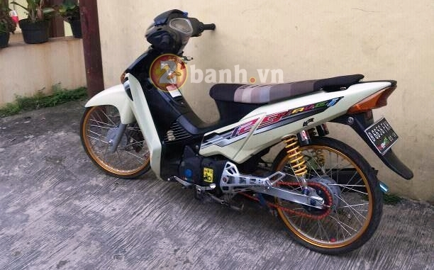 Wave 125i do mang trang suc Ohlins Brembo