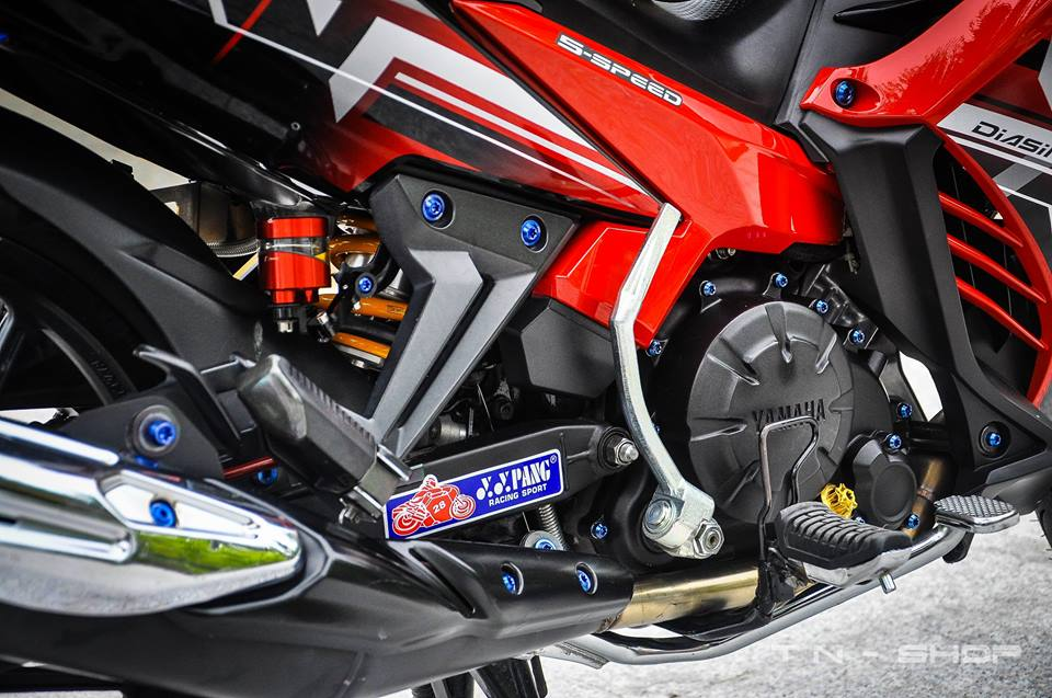 Yamaha Exciter red and black chat choi cua biker mien Tay - 3