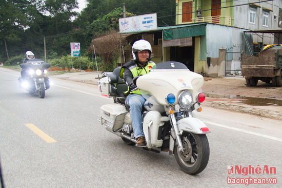 Chum anh CLB Moto The thao Nghe An di thien nguyen - 7