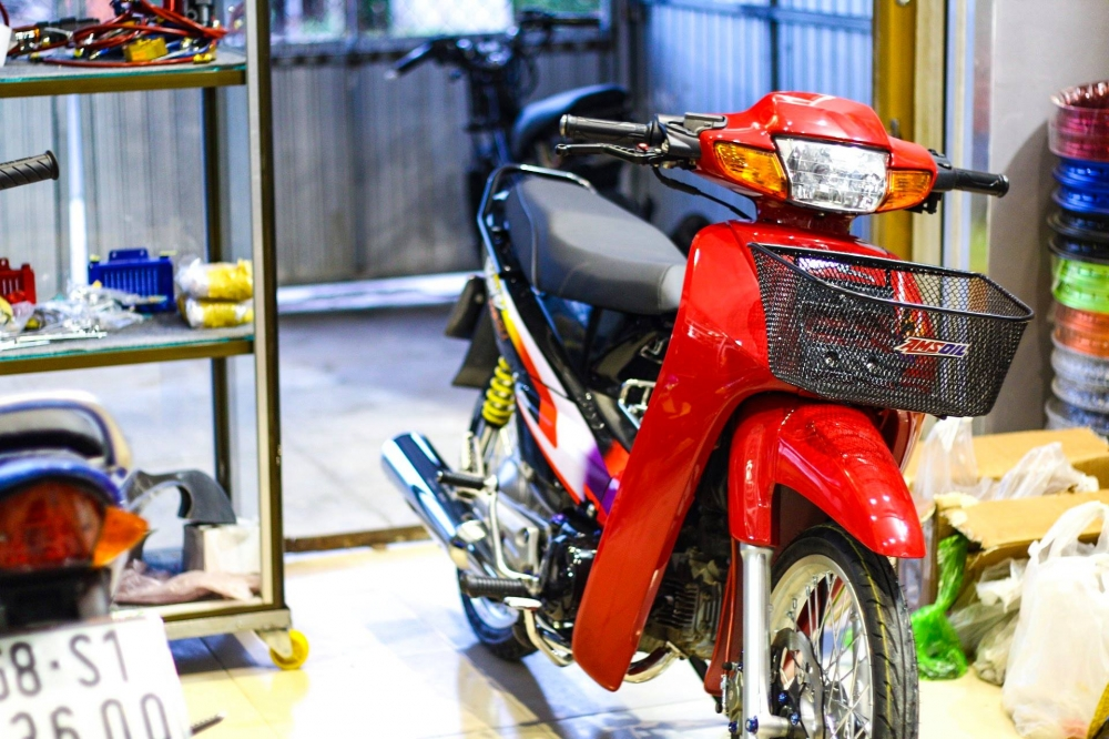 Wave 110 Red Candy day chat choi cua biker mien Tay - 11