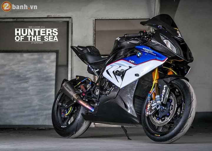 BMW S1000RR sieu chat trong ban do full carbon dat tien