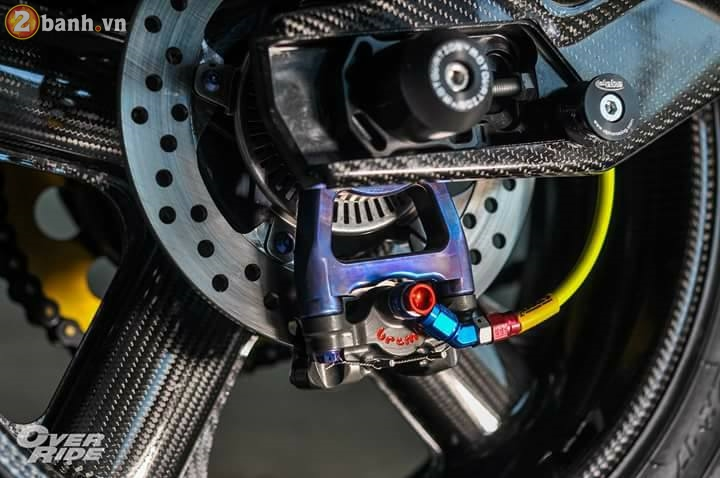 BMW S1000RR sieu chat trong ban do full carbon dat tien - 9