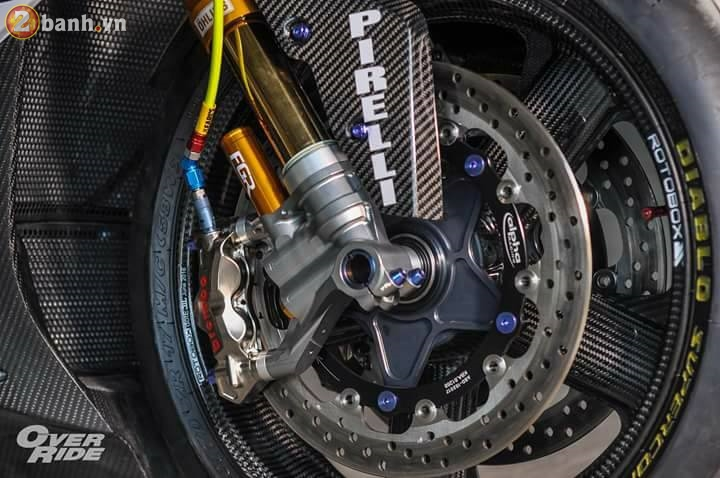 BMW S1000RR sieu chat trong ban do full carbon dat tien - 17