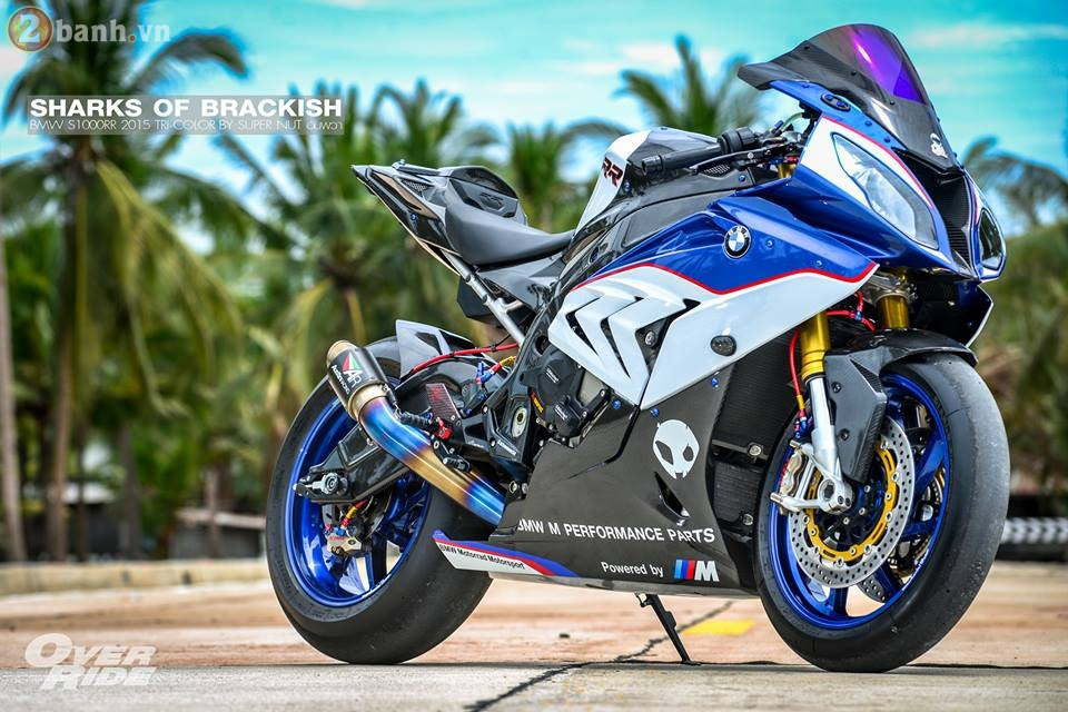 BMW S1000RR day me hoac trong ban do Sharks of brackish