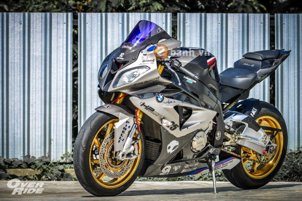 BMW S1000RR day quyen ru trong ban do Smoker Shark - 9