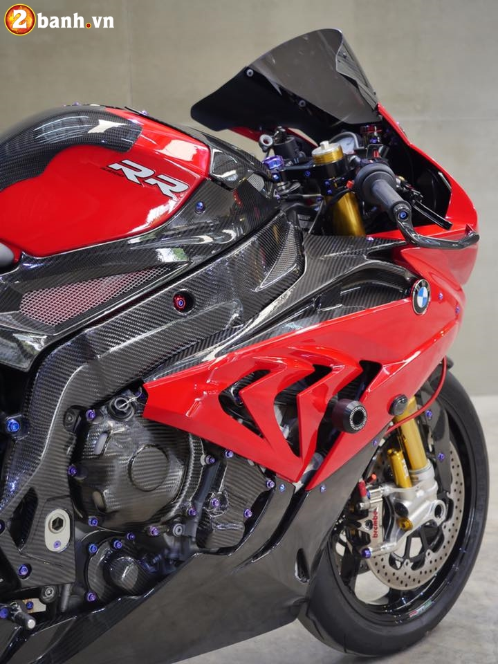 BMW S1000RR trong ban do chat den tung chi tiet - 5