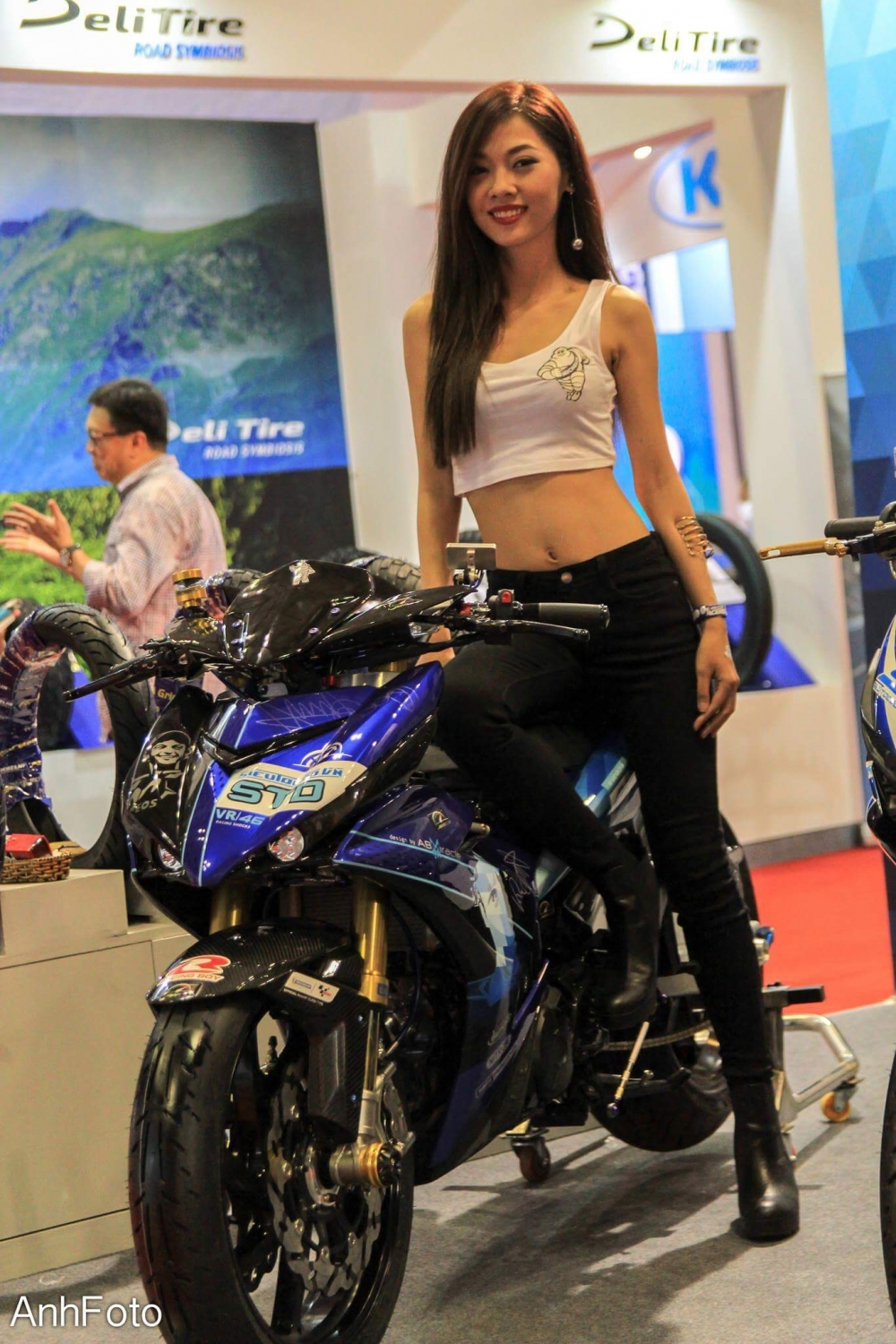 50 co gai hot nhat VietNam Motorcycle Show 2017 - 45