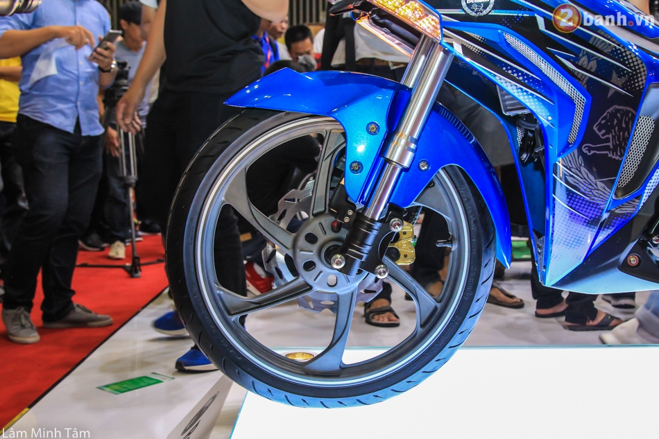 Can canh Benelli RFS 150 tai VMCS 2017 - 5