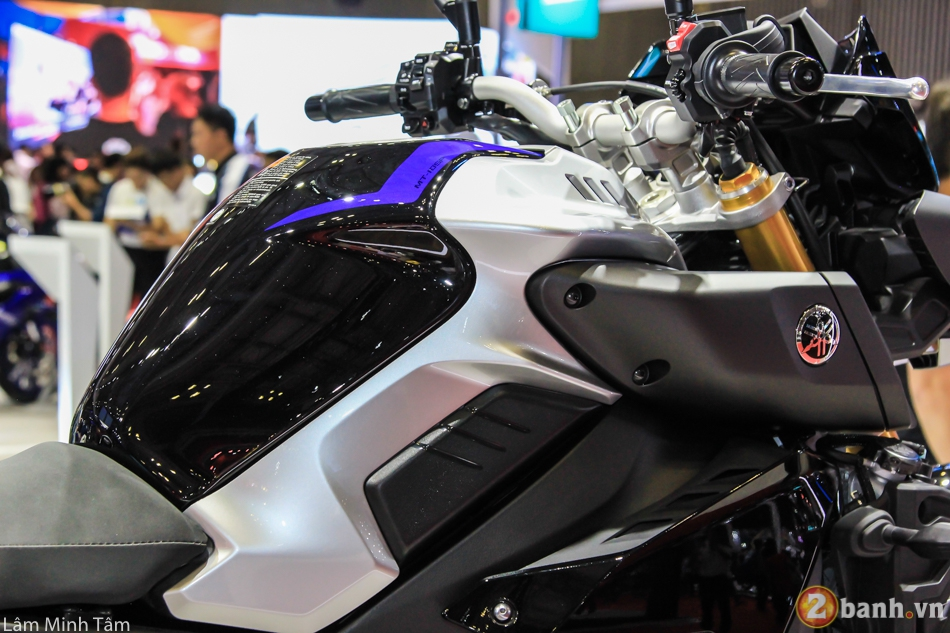 Can canh chi tiet Yamaha MT10 SP 2017 tai VMCS 2017 - 8