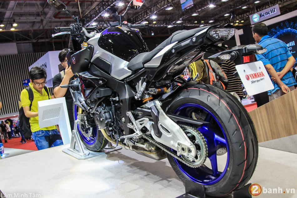 Can canh chi tiet Yamaha MT10 SP 2017 tai VMCS 2017 - 10