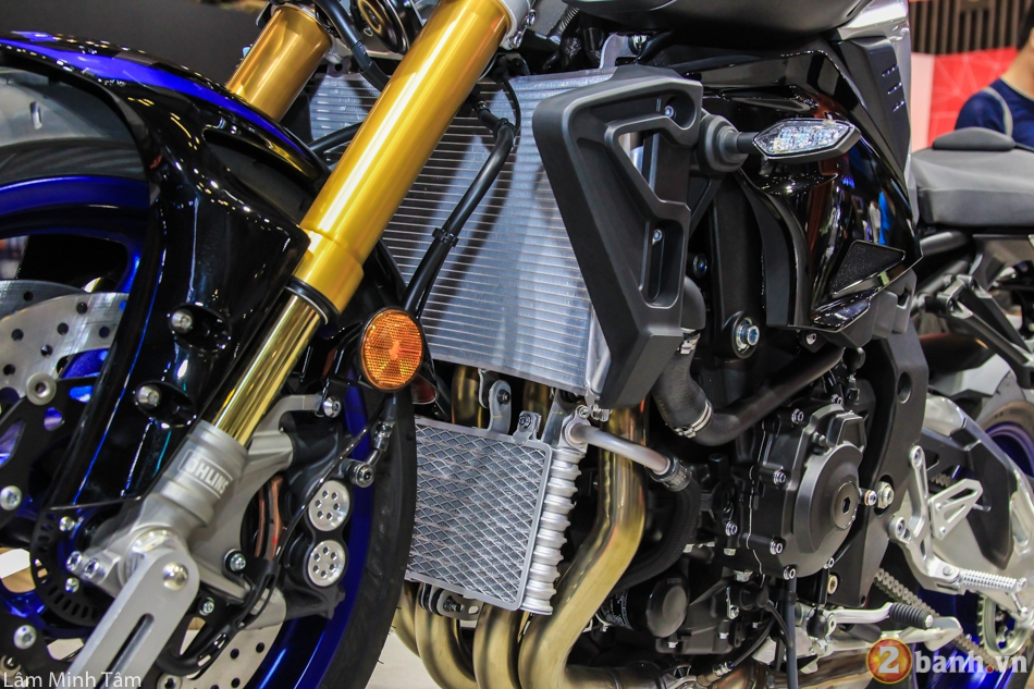 Can canh chi tiet Yamaha MT10 SP 2017 tai VMCS 2017 - 11