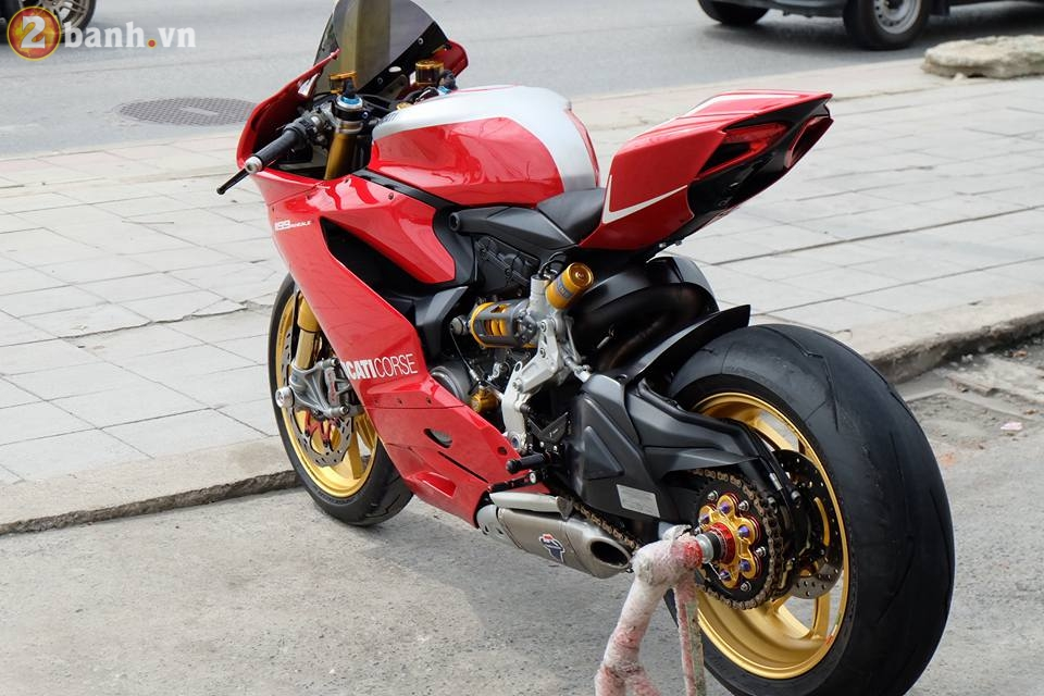 Ducati 1199 Panigale R von da dinh nay cang tuyet voi hon trong ban do cuc chat - 4