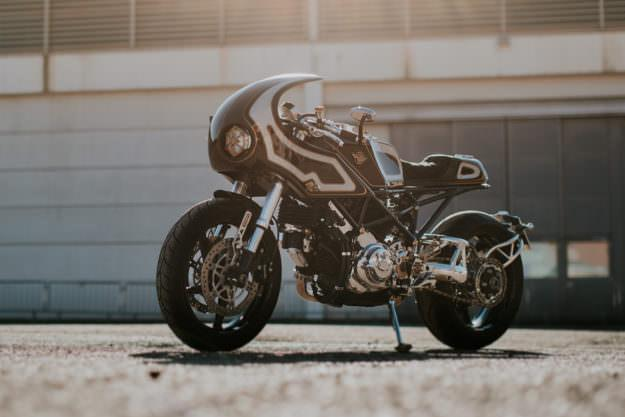 Ducati Monster S2R trong ban do lot xac day long lay - 2