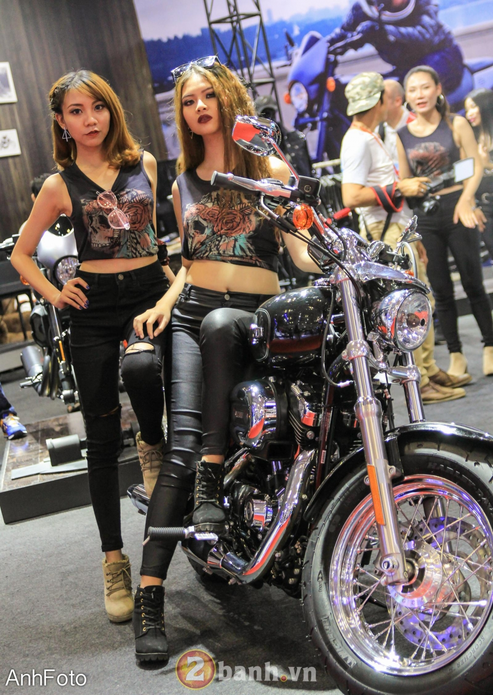 50 co gai hot nhat VietNam Motorcycle Show 2017 - 31