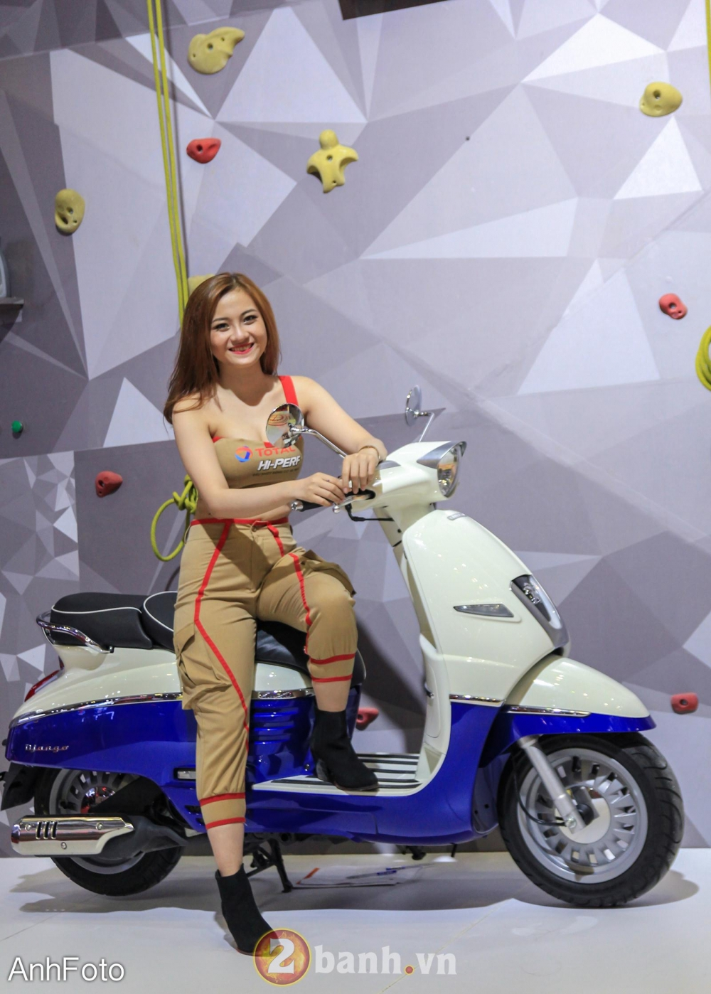50 co gai hot nhat VietNam Motorcycle Show 2017 - 46