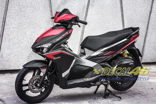 Tem xe Airblade 2016 Simple do Decal 46 thuc hien