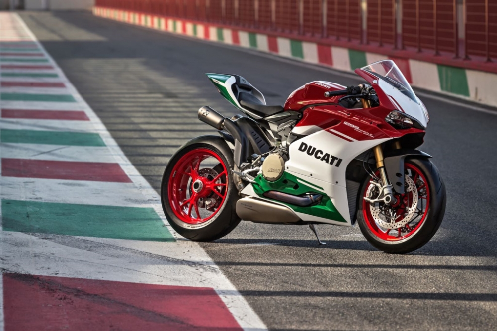 Ducati 1299 Panigale R Final Editionphien ban cuoi cung dong co 2 xylanh 8 v - 8