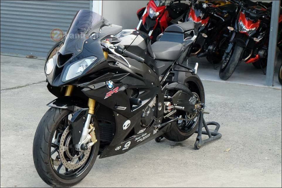 BMW S1000RR cang det cung phien ban Full black Limited - 3