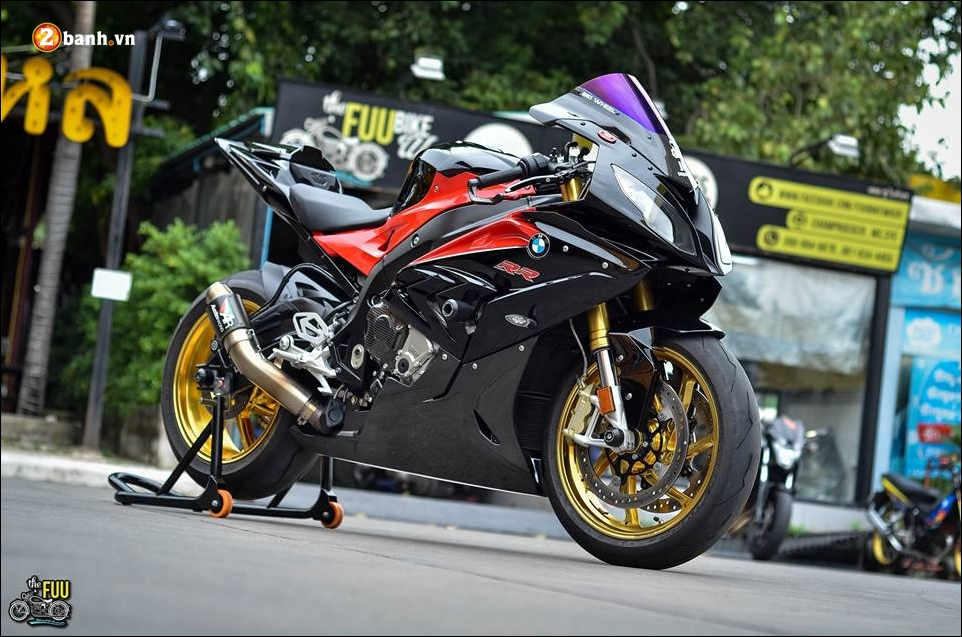 BMW S1000RR do Ca map ngo ngao tren dat nuoc Chua Vang - 11