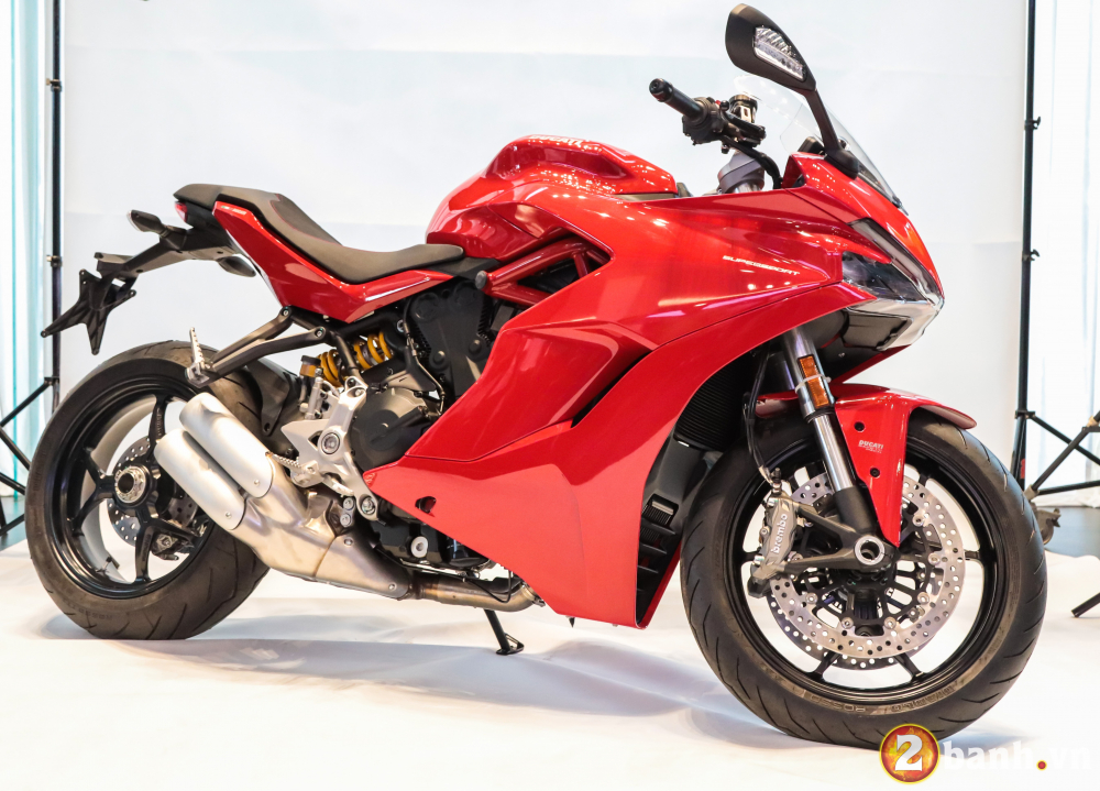 Can canh Ducati SuperSport mau xe mo to the thao thanh thi vo cung an tuong