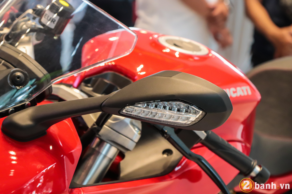 Can canh Ducati SuperSport mau xe mo to the thao thanh thi vo cung an tuong - 25