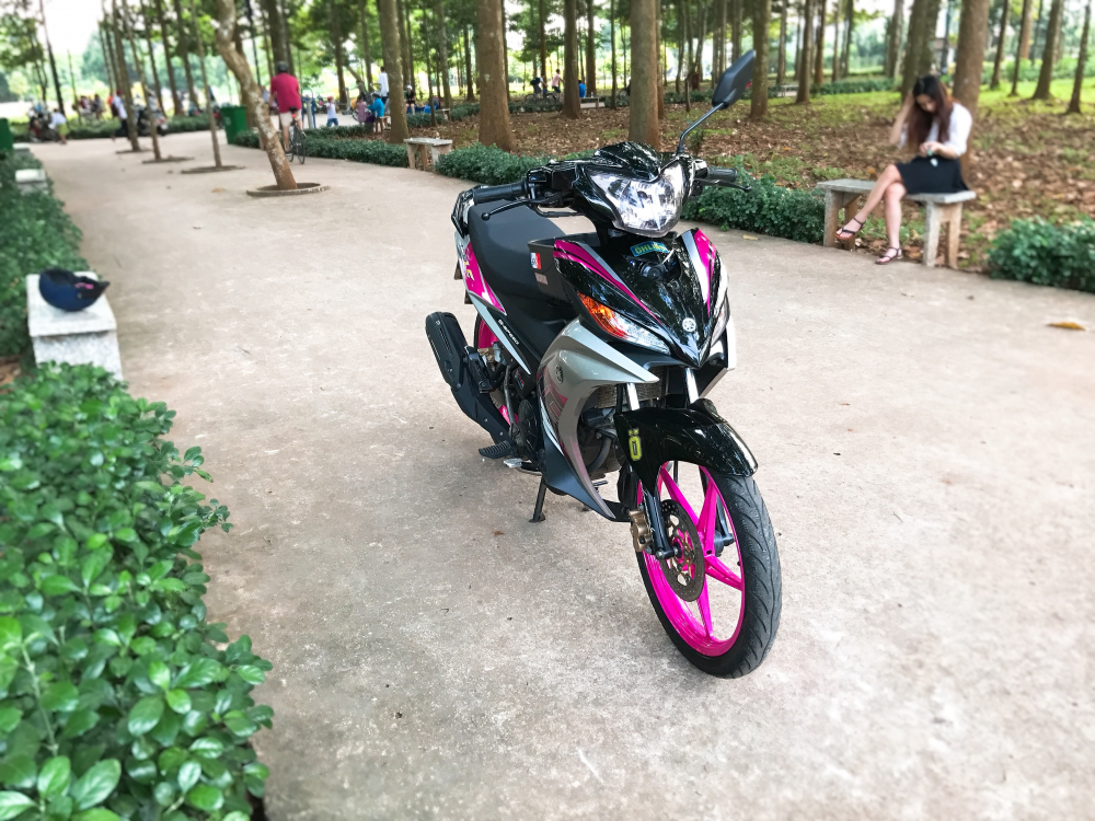Exciter 135 do kieng nhe tao an tuong voi bo canh LC sac hong - 7